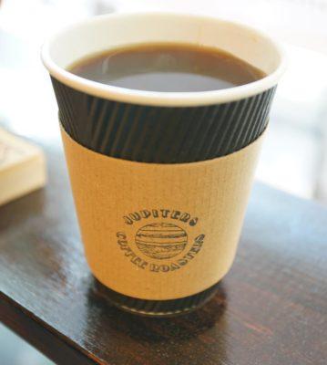 街の日常を見守るコーヒースタンド「ジュピターズコーヒーロースターズ」